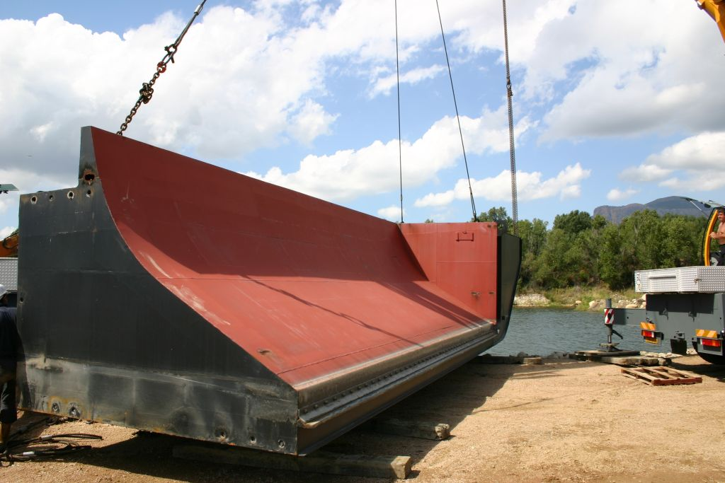 Split hopper barge 160 m3
