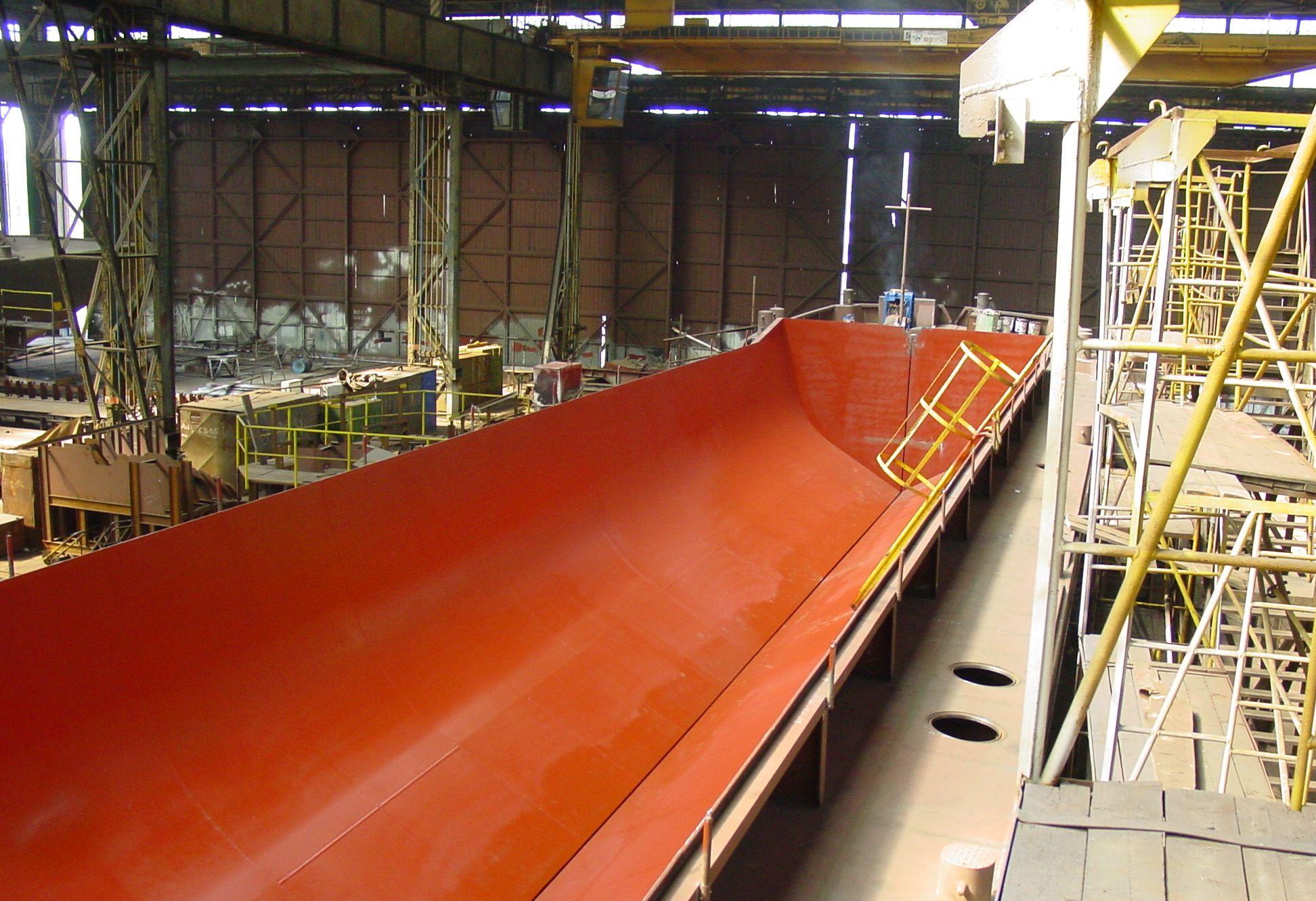 Split hopper barge 335_4